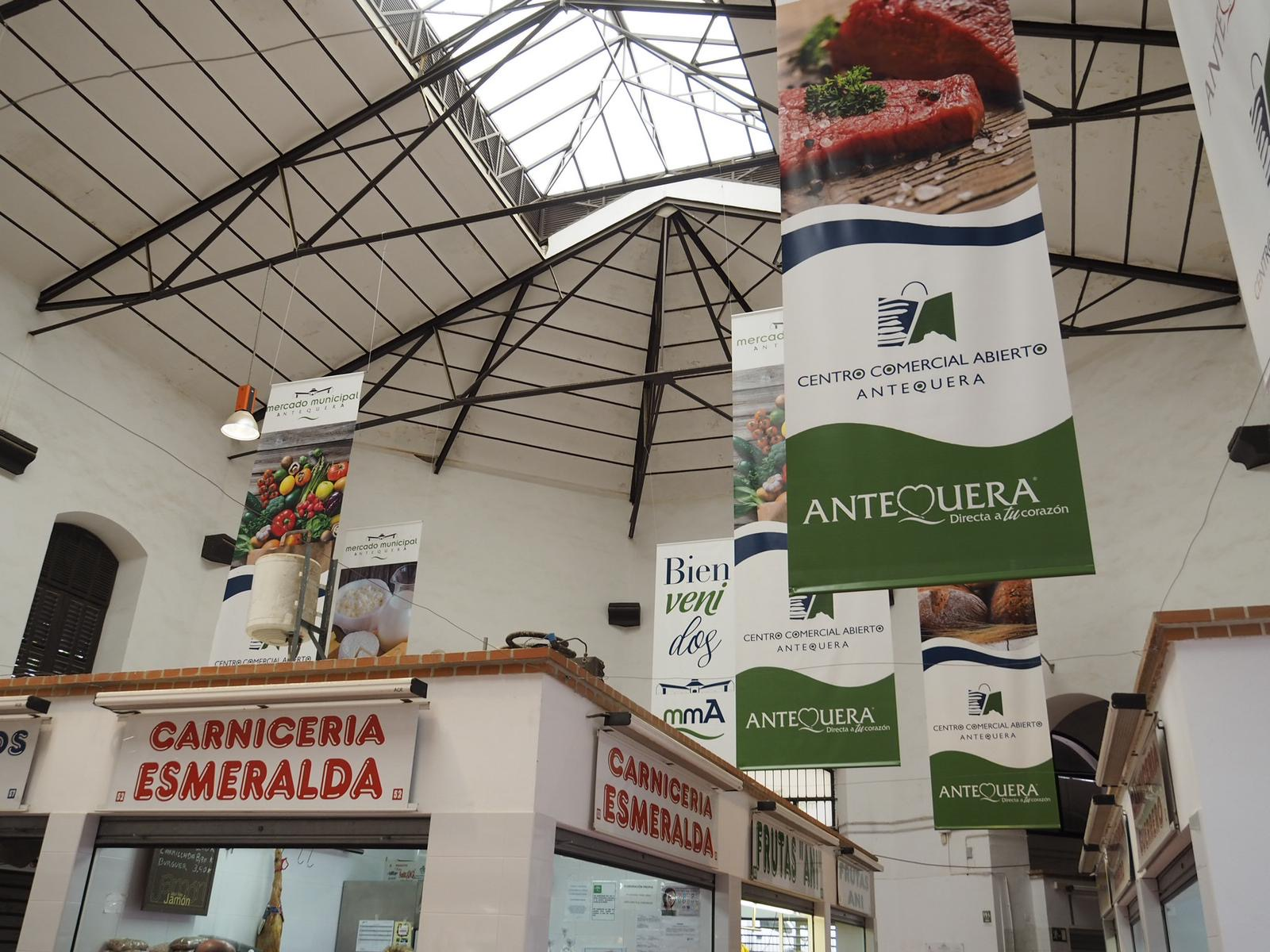 Imagen actual de una parte del remodelado Mercado Municipal de Abastos